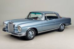 Classic 1966 Mercedes-Benz for sale Scotts Valley, California. 1966 Mercedes-Benz VIN: 111021 10 085193 This Mercedes 250 SE is an origina Mercedes Benz Coupe, Mercedes Benz Sports Car, Used Mercedes Benz, Classic Mercedes, Mercedes Benz Cars, Classic Sports Cars, Classic Cars, Merc Benz, Bmw Alpina