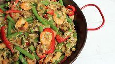 Een curry maken is niet moeilijk! Met de gamba linzen curry saus van Smaakt zet je binnen een handomdraai deze lekkere gamba linzen curry op tafel.