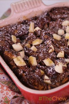 This custardy dish is the perfect chocolaty thing to serve up your guests at your next brunch. Try whipping up this delicious Croissant Bread Pudding with croissants, chocolate-hazelnut spread, banana (Chocolate Banana Croissant) Bread Pudding With Croissants, Croissant Bread, Chocolate Bread Pudding, Chocolate Hazelnut, Chocolate Recipes, Nutella Croissant, Brunch Recipes, Breakfast Recipes, Dessert Recipes