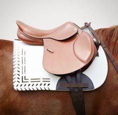 Valor saddle pad