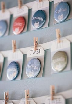 Day-Of Wedding Stationery Inspiration and Ideas: Escort Card Buttons via Oh So Beautiful Paper (9) http://ohsobeautifulpaper.com/2013/03/wedding-stationery-inspiration-escort-card-buttons/