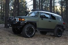 XPLORE Toyota FJ Cruiser - My Ultimate man-mobile!!!!!  (I wouldn't want a flat color tho)