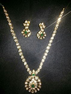 Uncut diamond necklace Diamond Pendant, Diamond Jewelry, Gold Jewelry, Diamond Necklaces, Jewlery, Gold Necklace, Indian Necklace, Indian Jewelry, Gold Jewellery Design