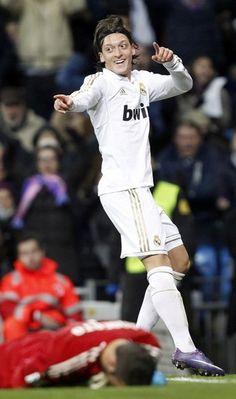 mesut ozil goal against zaragoza jan 28