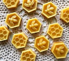 Bee Honeycomb Silicone Mold Fondant / Bee Mold/ For Cake Decorating Tools Kitchen Accessories - Craft Ideas Fondant Bee, Fondant Molds, Cake Mold, Soap Molds, Resin Molds, Silicone Molds, Bee Honeycomb, Bee Crafts, Etsy Crafts