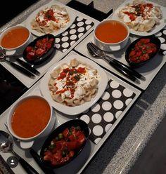 Pub Food, Cafe Food, Food Design, Food Porn, Food Tasting, English Food, Breakfast Lunch Dinner, Food Platters, Turkish Recipes