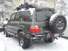Toyota Landcruiser- This is the way I'd like to roll when I'm headed to the mountains- Very Nice.