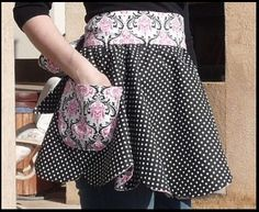 Women's scalloped apron. FREE DIY sewing pattern and tutorial for a half apron with Saab and pockets! So retro cute 50's housewife in the kitchen! Or for crafting