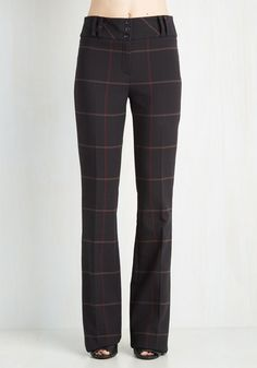 Jovial Journalist Pants. Getting the lead scoop is as easy as one, two, three when you combine these classic, plaid pants with your sweetest smile! #black #modcloth