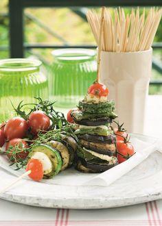 Τα φαγητά της ελληνικής ταβέρνας σε 30 συνταγές - www.olivemagazine.gr Cetogenic Diet, Types Of Food, Keto Recipes, Sweet Home, Yummy Food, Table Decorations, Dairy, House Beautiful, Delicious Food