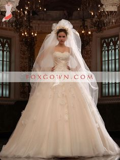 2013 new luxury strapless a-line wedding dress with rich hand made flower
