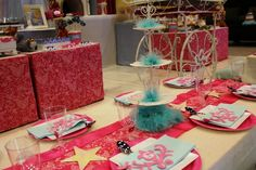 tulle on cake stand
