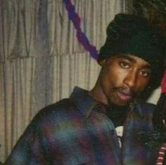 Love his expression here Tupac Shakur, 2pac, Mike Tyson Fights, Tupac Makaveli, Best Rapper, Rare Photos, Of My Life, Love Him, Hip Hop