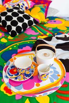 a breezy home gets a colourful Marimekko makeover Marimekko, Cafe Japan, Motif Vintage, Deco Boheme, Tropical, Interior Styling, Interior Design, Home Collections, Yarn Crafts