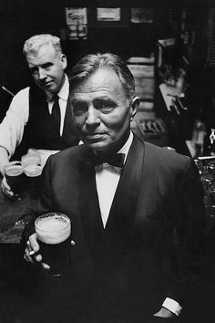 Photograph - James Mason At A Pub In Dublin by Richard Richards , Old Hollywood Stars, Hollywood Actor, Classic Hollywood, Photography Poses For Men, Portrait Photography, Monocycle, Irish Men, Historical Photos, Dublin