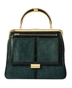 Un sac à main vert