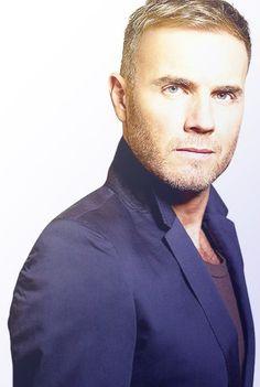 Gary lukin very blue! Take That Band, Indeed It Is, Mark Owen, Gary Barlow, Bryan Adams, Culture Pop, Daniel Craig, Haircuts For Men, Men's Haircuts