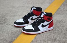 Tenis Nike Air, Nike Air Shoes, Nike Shoes Outlet, Nike Air Max, Kd Shoes, Nike Socks, Supra Shoes, Born Shoes, Shoes Style