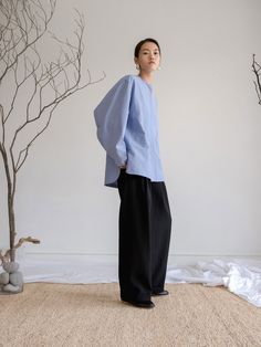 Korean Fashion Trends you can Steal – Designer Fashion Tips Kimono Fashion, Fashion Outfits, Womens Fashion, Fashion Tips, Minimal Outfit, Minimal Fashion, Fairy Clothes, Women's Clothes, Mature Fashion