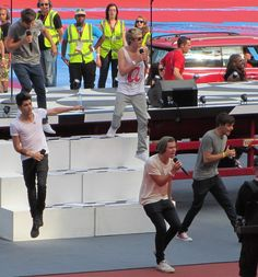 One Direction rehearsing for the Olympics <3 OHMYGOD it's the Atlanta shirt! ATL Directioners represent!!