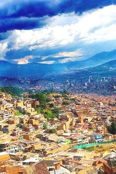 View of Medellín from the Metro Cable. Be sure to check out my panoramic version of this photo! Una vista de Medellín desde el metrocable. Miren a mi versión panorámica de esta foto también! Canon EOS…MásMás Colombia Vacation हमारी साइट को अधिक जानकारी प्राप्त करें https://storelatina.com/colombia/travelling #Колумбија #kolumbiya #കൊളംബിയ #colombiano Colombia Vacation Zougank Eis Blog méi vill Informatioun https://storelatina.com/colombia/travelling