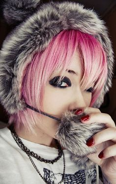 Short pink scene hair