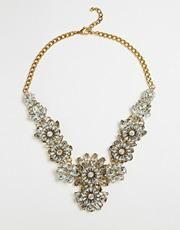 Little Mistress Flower Cluster Statement #Necklace - Gold #accessories #women #covetme #jewellery #fashion #fbloggers #lbloggers #HumpDay #OOTD