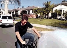 13 Inventions You'll Never Ever Need A bubble wrap bike? Gifs, Daily Dot, Cool Inventions, Bubble Wrap, Haha, Hilarious, Golf Tips, Biking, Bullet