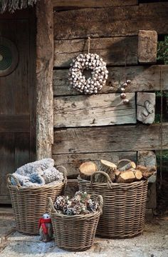 Gardening Autumn - Shed Plans - CASA TRÈS CHIC - Now You Can Build ANY Shed In A Weekend Even If Youve Zero Woodworking Experience! - With the arrival of rains and falling temperatures autumn is a perfect opportunity to make new plantations Country Christmas, White Christmas, Natural Christmas, Outdoor Christmas, Cabin Christmas, Christmas Baskets, Vintage Christmas, Chalet Design, After Christmas
