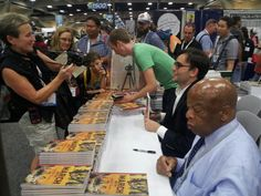 The hero worship of @repjohnlewis continues here @Comic_Con #SDCC #historyinthemaking