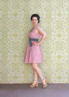 Pink dress con fondo small