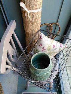 #mercadoloftstore #mls #umseisum #porto #products #decoração #interior #interiordesign #home #house #decorhome #colour #pattern #cahir #cadeira #detail #carpet #pillow #almofada #batedordetapetes #corner #pieces #peçasdedecoração