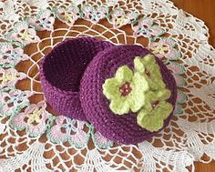 "Free pattern for ""Pretty Floral Trinket Box""!"