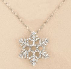 Awesome Wholesale Jewelry Opportunities Into A Thriving Business Ideas. Amazing Wholesale Jewelry Opportunities Into A Thriving Business Ideas. Cute Jewelry, Jewelry Accessories, Gold Jewelry, Jewelry Box, Snowflake Jewelry, Accesorios Casual, Discount Jewelry, Disney Jewelry, Wholesale Jewelry