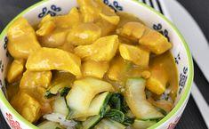 Kip Kerrie is echt zo'n bekend kipgerecht dat geserveerd wordt bij rijst. Wat mij betreft een ideaal OMF's Studentenkeuken recept!