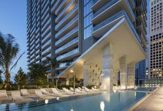 brickell city centre: the arquitectonica-designed mixed-use mega complex in miami New York Penthouse, Luxury Penthouse, Luxury Apartments, Luxury Homes, Luxury Condo, Fort Lauderdale, Cities, Smart Home Technology, Nyc