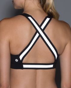 We designed this reflective sports bra so that we can run tank-free to catch a breeze while still shining bright in low light. Whether we're running at night to beat the heat or up before the sun, this open-back bra keeps our ladies supported and secure.