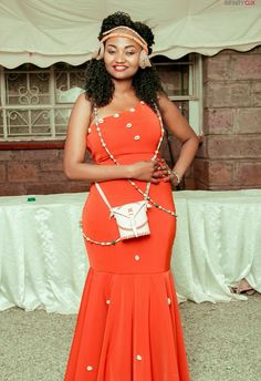 For ruracio attire contact us on material available. African Bridal Dress, Best African Dresses, Latest African Fashion Dresses, African Attire, African Wear, Bridal Dresses, African Traditional Wedding Dress, Traditional Wedding Attire, Kenyan Wedding