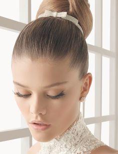 Peinados de novia con hilos de plata, estos tocados son ideales para peinados recogidos