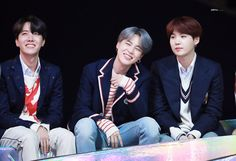 #JIMIN // 181201 Melon Music Awards 2018 #BTS Seokjin, Namjoon, Taehyung, Foto Bts, Bts Photo, Jung Hoseok, K Pop, Jin Park, Asia Artist Awards