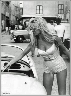 A little bit of Bardot  is never too much - #MicraAttitude #Deutschland