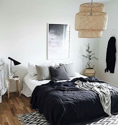 5 Swift Cool Ideas: Minimalist Home Inspiration Architecture minimalist bedroom ikea small spaces.Minimalist Bedroom Inspiration White minimalist decor with color rugs.Minimalist Home Interior Bureaus. Home, Bedroom Design, Room Inspiration, House Interior, Apartment Decor, Minimalist Bedroom, Small Bedroom, Interior Design, Minimalist Home
