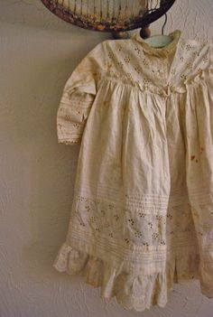 Vintage cotton eyelet lace dress by paperskyco Vintage Cotton, Vintage Lace, Vintage Hooks, Vintage Dress, Vintage Outfits, Vintage Fashion, Eyelet Lace, Cotton Lace, Linens And Lace