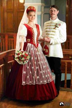Hungarian traditional wedding dresses for men and women. Folk Fashion, Ethnic Fashion, Traditional Fashion, Traditional Outfits, Costumes Around The World, Traditional Wedding Dresses, Wedding Costumes, Folk Costume, Historical Clothing
