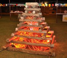 30 ideas to make your Rooftop Party, Camping Theme, Fire And Ice, 4th Birthday Parties, Luau, Classroom Decor, Open House, Birthday Candles, Party Themes