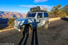 O Grand Canyon é um dos lugares mais conhecidos no Estados Unidos. O lugar não impressiona apenas pela beleza, impressiona também pela história que há nele. Eu mesma imaginava um lugar bonito com uma 'erosão grandinha', mas a verdade é que ele tem uma extensão de 446 km, com uma largura de cerca de 29 …
