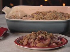 Snappy Pear and Cranberry Crumble - Trisha Yearwood Love the idea of gingersnaps in the crumble.
