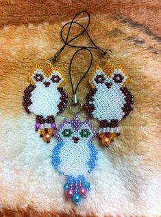 The scheme beading: Owl Keychain
