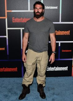 The poker player Dan Bilzerian Height Weight Body Measurements Shoe Size Stats Facts as well as his nationality, ethnicity, hair eye color, vital statistics, family wiki and bio are discussed in this article. Dan Bilzerian Beard, Sugar Daddy Dating, Celebrity Bodies, Height And Weight, Facial Hair, Bearded Men, Body Measurements, Eye Color, Facts