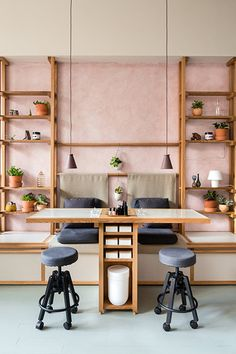 Ruchki Da Nozhki - The Best Designed Nail Salons In The Country - Photos
